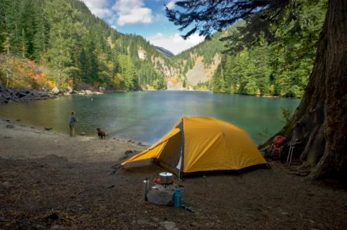 Camping (Stock Photo)