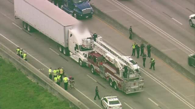 Naked Dancing Woman Shuts Down Highway in Houston   951 WAYV