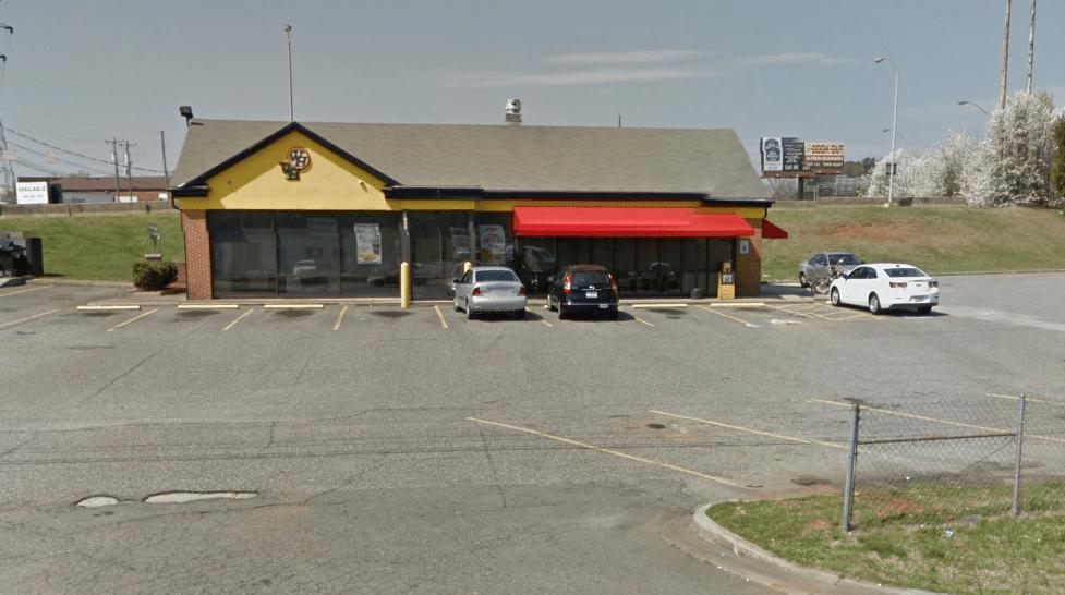 2 Injured In Shooting At Burlington Waffle House Myfox8 Com