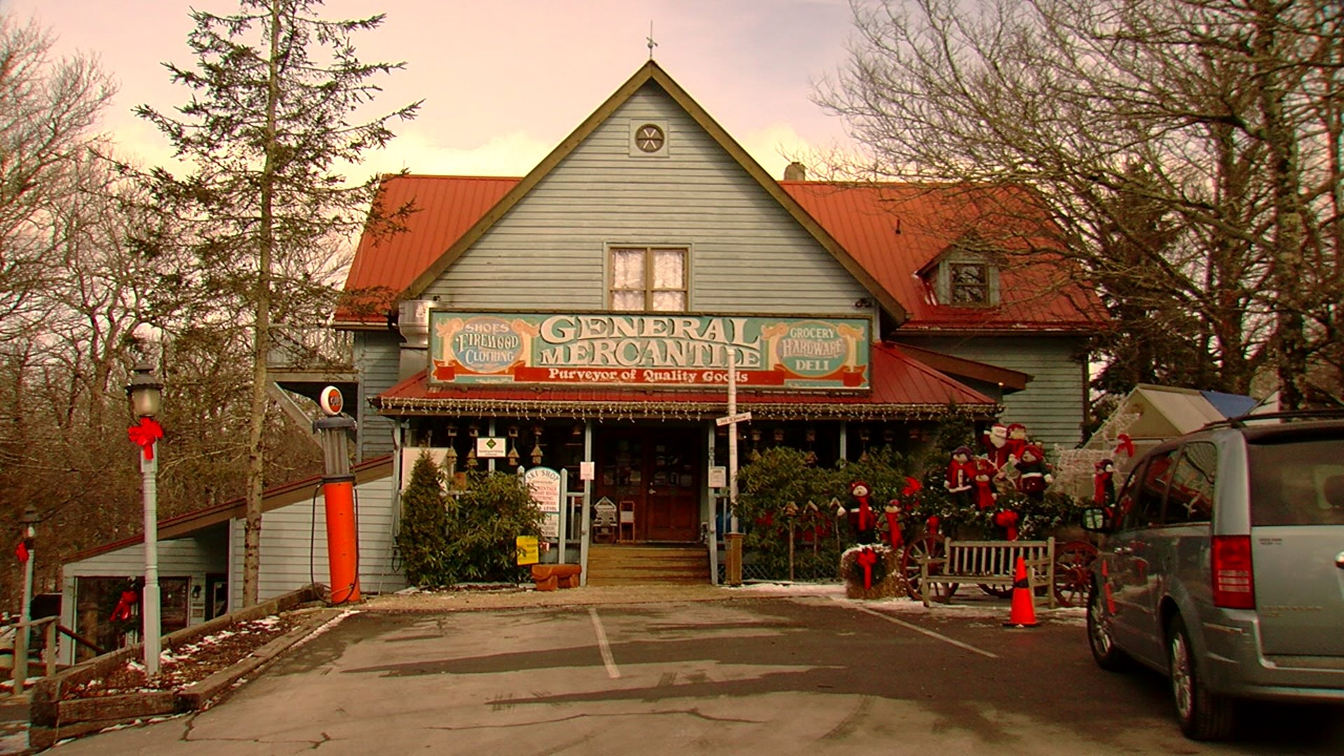 Beech Mountain Man Owns Popular Old Time General Store Myfox8 Com
