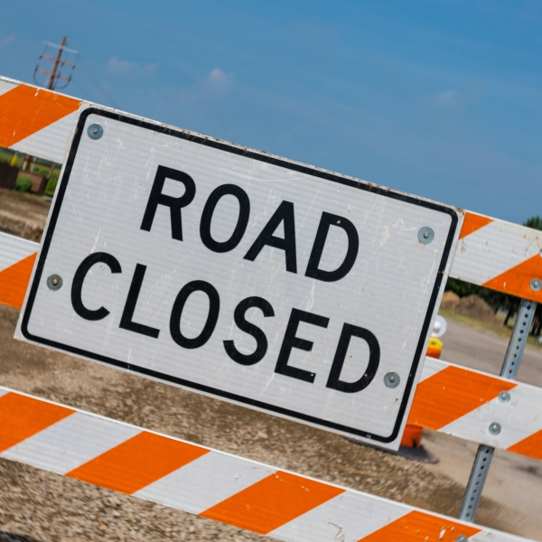 Road closed sign (Getty Images stock image)