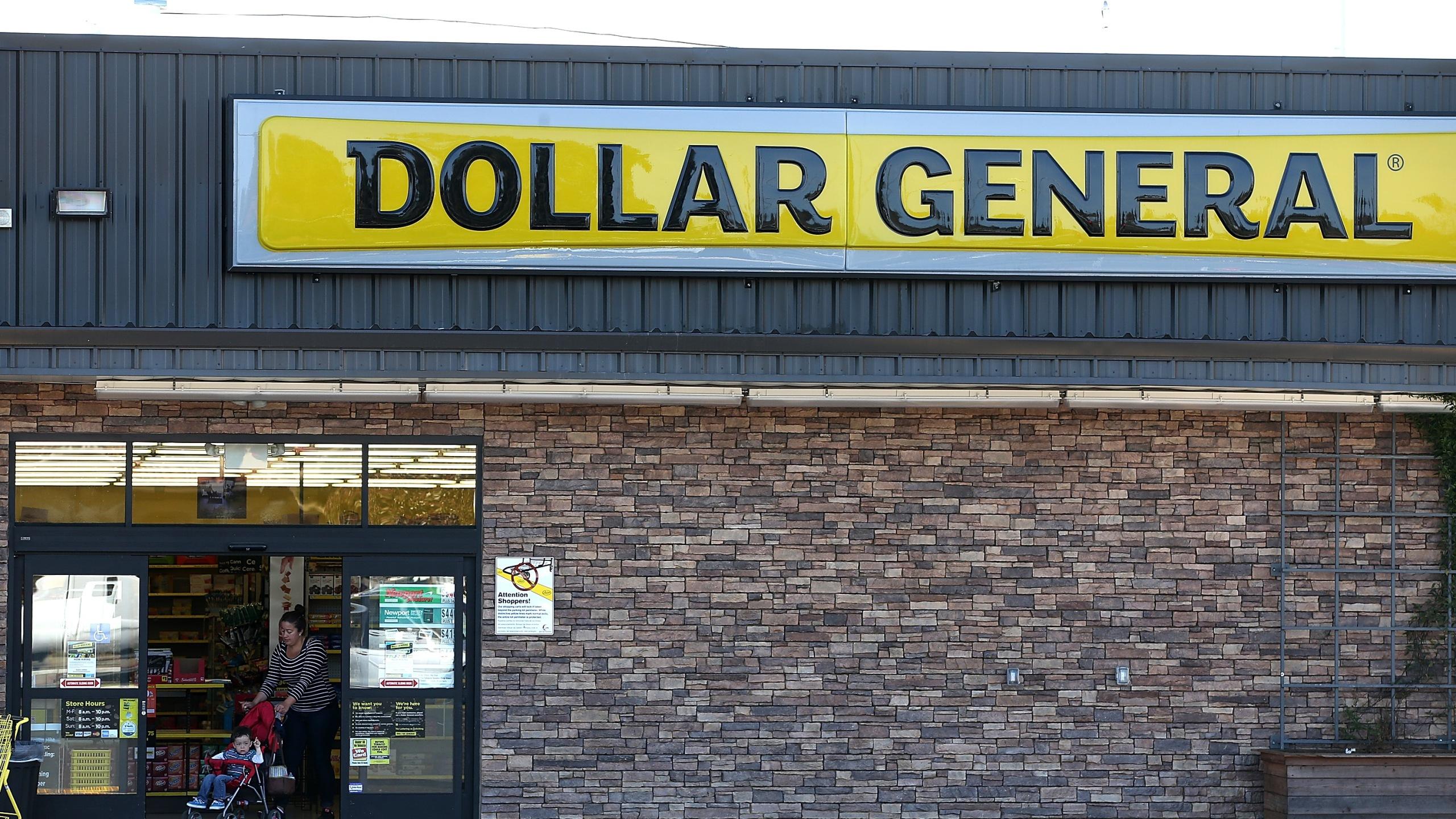 Dollar General (Photo by Justin Sullivan/Getty Images)