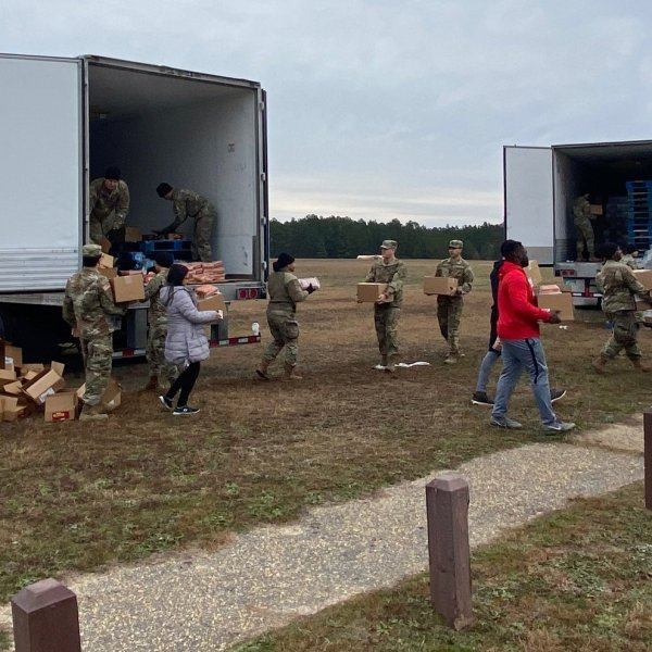 Tyson Foods donates 250,000 meals to US Army soldiers at Fort Bragg.