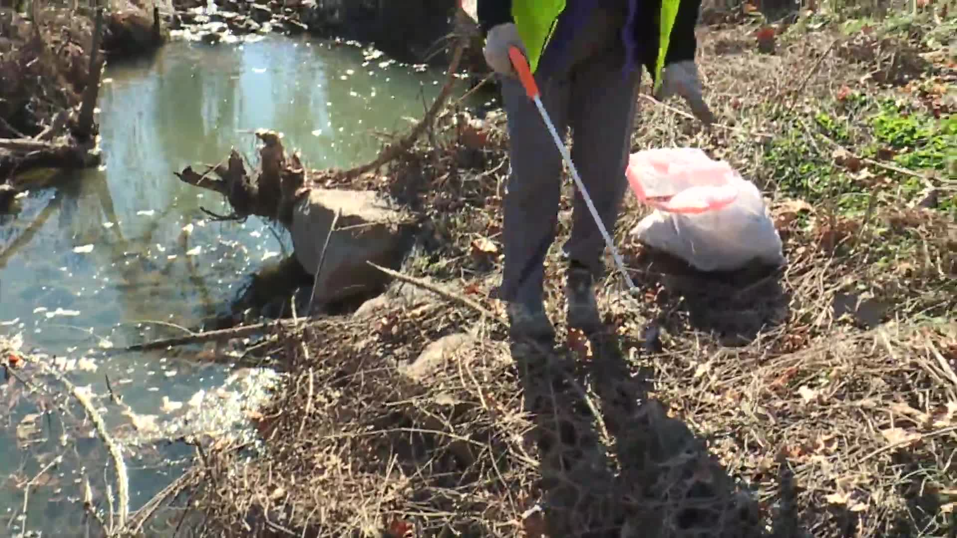 Greensboro group cleans up trash around the city