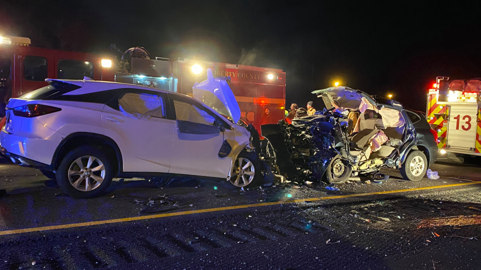 3 children, 3 adults killed in head-on crash