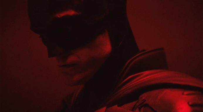 'Batman' director Matt Reeves shares first look at Batsuit worn by Robert Pattinson