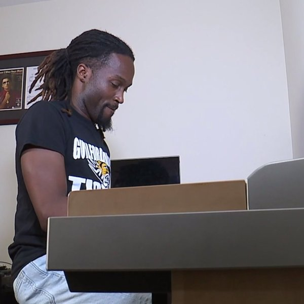 Greensboro band teacher ends each online lesson day with song for students