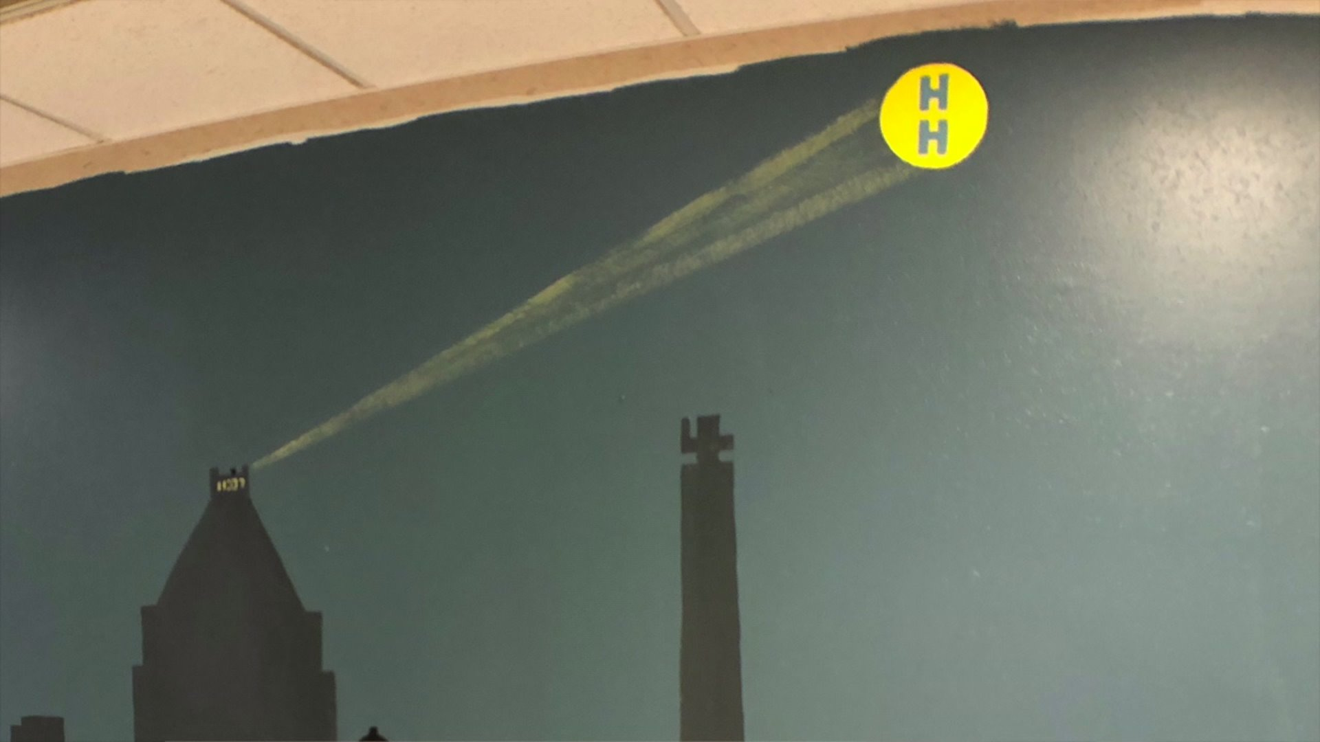 Mural painted to encourage 'hospital heroes' at Cone Health campus