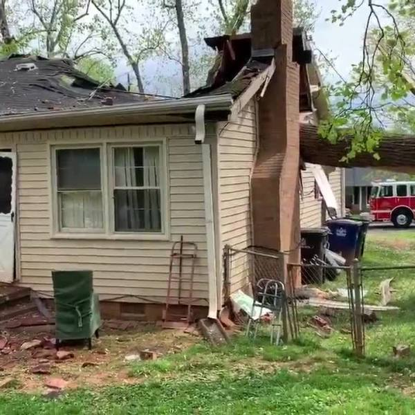 Large tree falls on house in Winston-Salem amid afternoon storms (WSFD)
