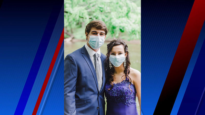 Randleman couple takes photoshoot after prom canceled by pandemic. (Courtesy of Jessi Green)