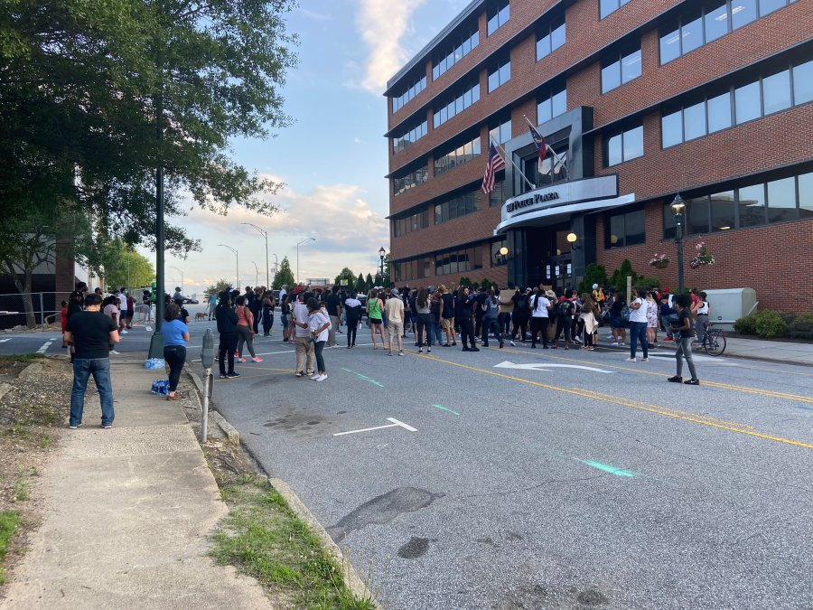 Protestors gather in downtown Greensboro over death of George Floyd (Olivia Steen/WGHP)