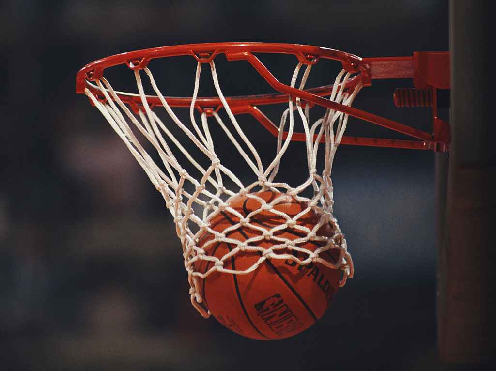 Generic view of a Spalding NBA basketball dropping into the hoop during the FIBA European Basketball Championship on 25 June 1989 at the Dom Sportova in Zagreb, Yugoslavia. (Photo by Gray Mortimore/Getty Images) *** Local Caption ***