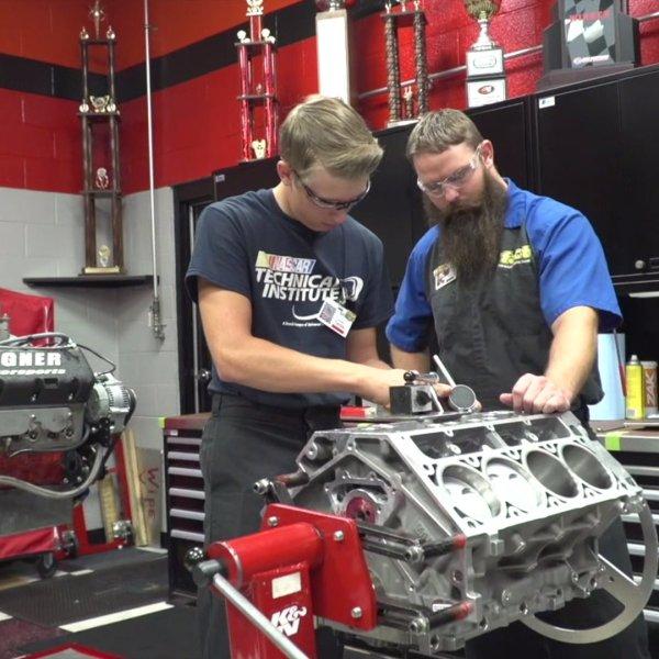 NASCAR tech students build race-winning engines