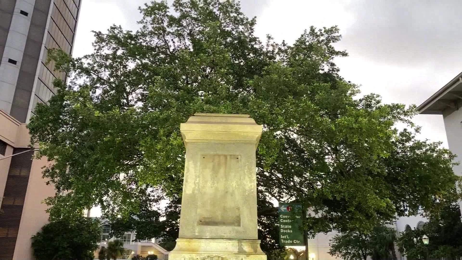Confederate monument removed overnight in Mobile, Alabama
