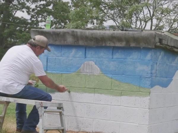 Artist paints beautiful murals around King