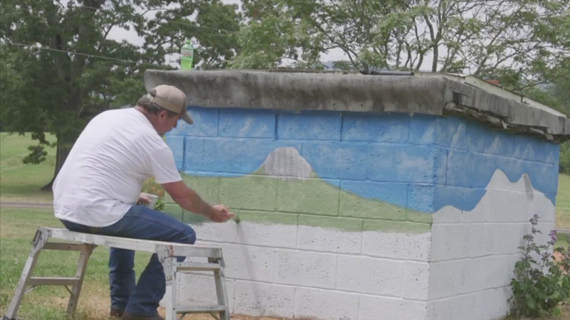 Artist paints beautiful murals around King