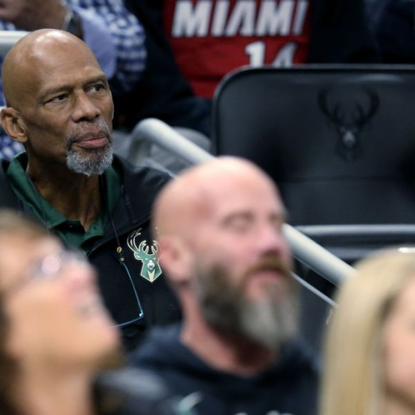 MILWAUKEE, WISCONSIN - OCTOBER 26: NBA Hall of Famer Kareem Abdul-Jabbar looks on during the game between the Miami Heat and Milwaukee Bucks at the Fiserv Forum on October 26, 2019 in Milwaukee, Wisconsin. NOTE TO USER: User expressly acknowledges and agrees that, by downloading and/or using this photograph, user is consenting to the terms and conditions of the Getty Images License Agreement. (Photo by Dylan Buell/Getty Images)