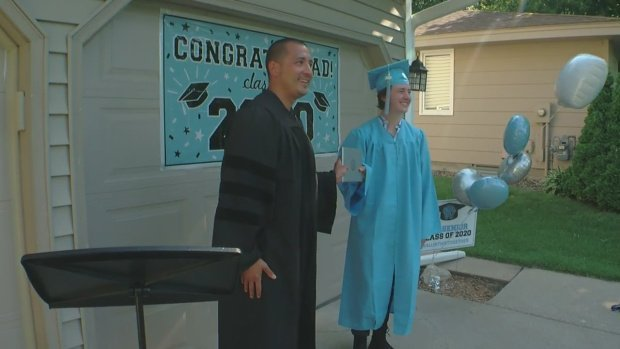 Jefferson High School principal Jaysen Anderson goes the extra mile or two to properly mark an important milestone for graduating seniors. (WCCO)