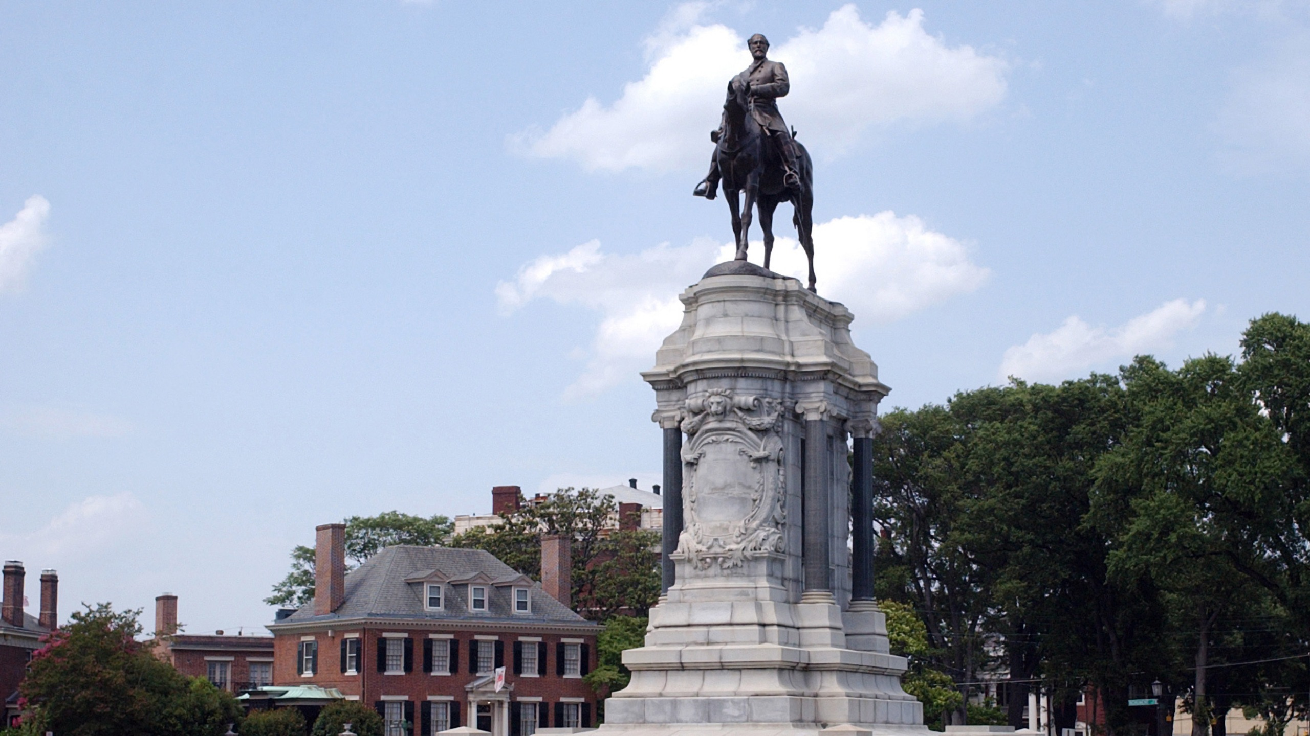 Virginia Gov. Ralph Northam will announce plans to remove a statue honoring Confederate Gen. Robert E. Lee from Richmond's historic Monument Avenue. Credit: MCT/Getty Images