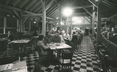 Customers at The Bluffs Restaurant in 1952. (Photo courtesy of National Park Service/Blue Ridge Parkway)