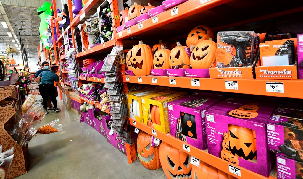 Getty Images Halloween 2020 Group issues Halloween 2020 guidelines, color coded coronavirus