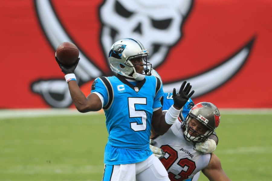 TAMPA, FLORIDA - SEPTEMBER 20: Teddy Bridgewater #5 of the Carolina Panthers throws a pass during the second half against the Tampa Bay Buccaneers at Raymond James Stadium on September 20, 2020 in Tampa, Florida. (Photo by Mike Ehrmann/Getty Images)