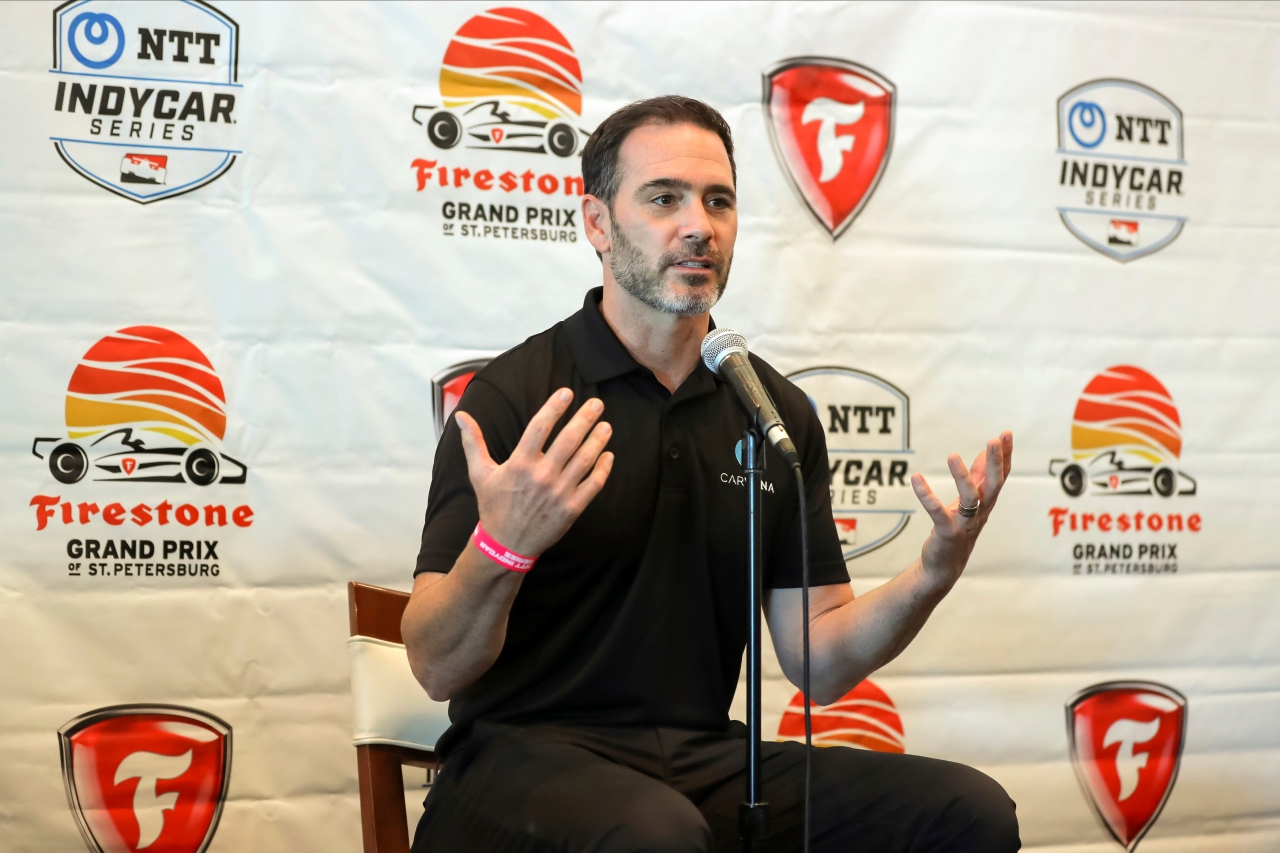 Jimmie Johnson jump-starts IndyCar move with online auto retailer