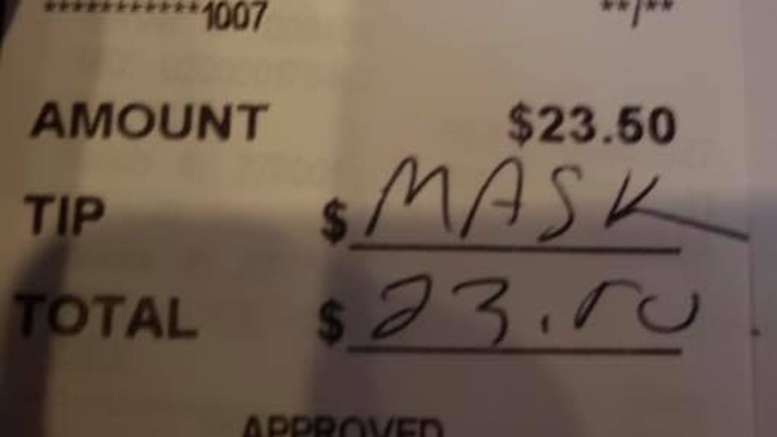 Diner wrote 'mask' instead of leaving tip after reminder about COVID policy (Courtesy: Kathy Kearney)