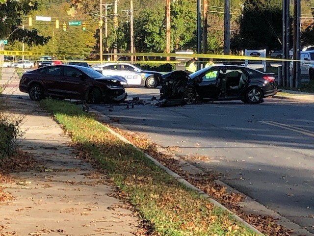 Crews on scene of crash at Lindsey Street, Gatewood Avenue in High Point