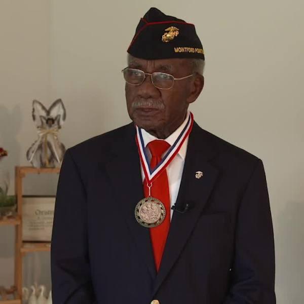 Veteran from Greensboro sings National Anthem at Panthers game