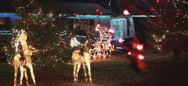 Holiday Night Lights: Local couple decks home out for Christmas