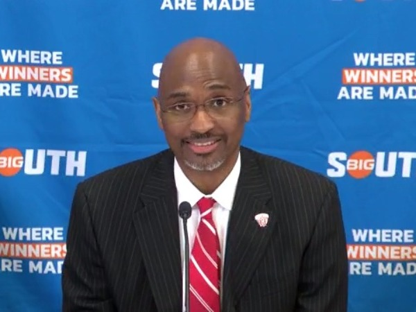 UNCG hires new head basketball coach