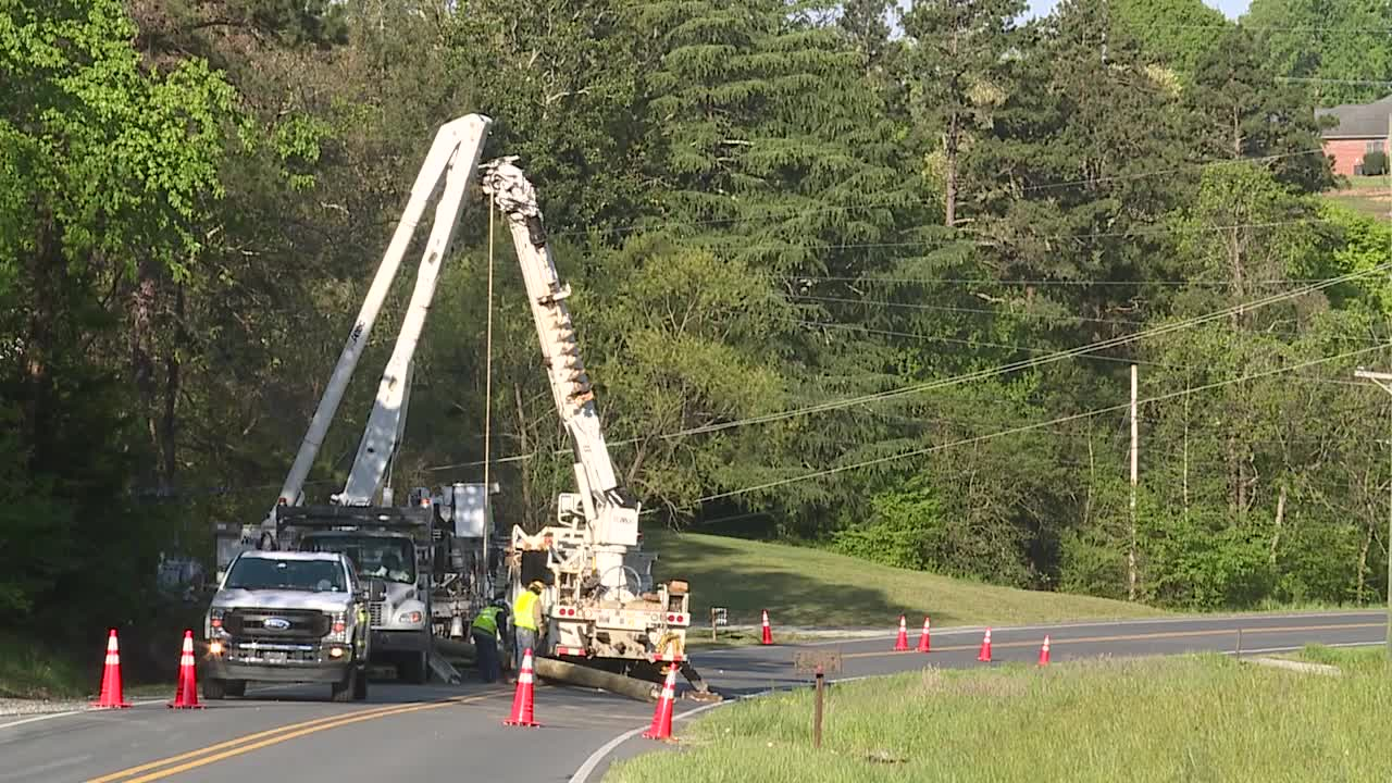 Van crashes into power pole, overturns on Tyro Road in Davidson County