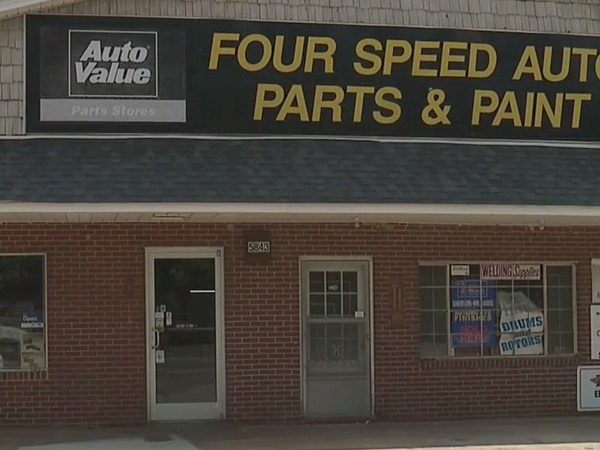 Small Business Spotlight: Four Speed Auto Parts and Paint helps customers keep their wheels turning