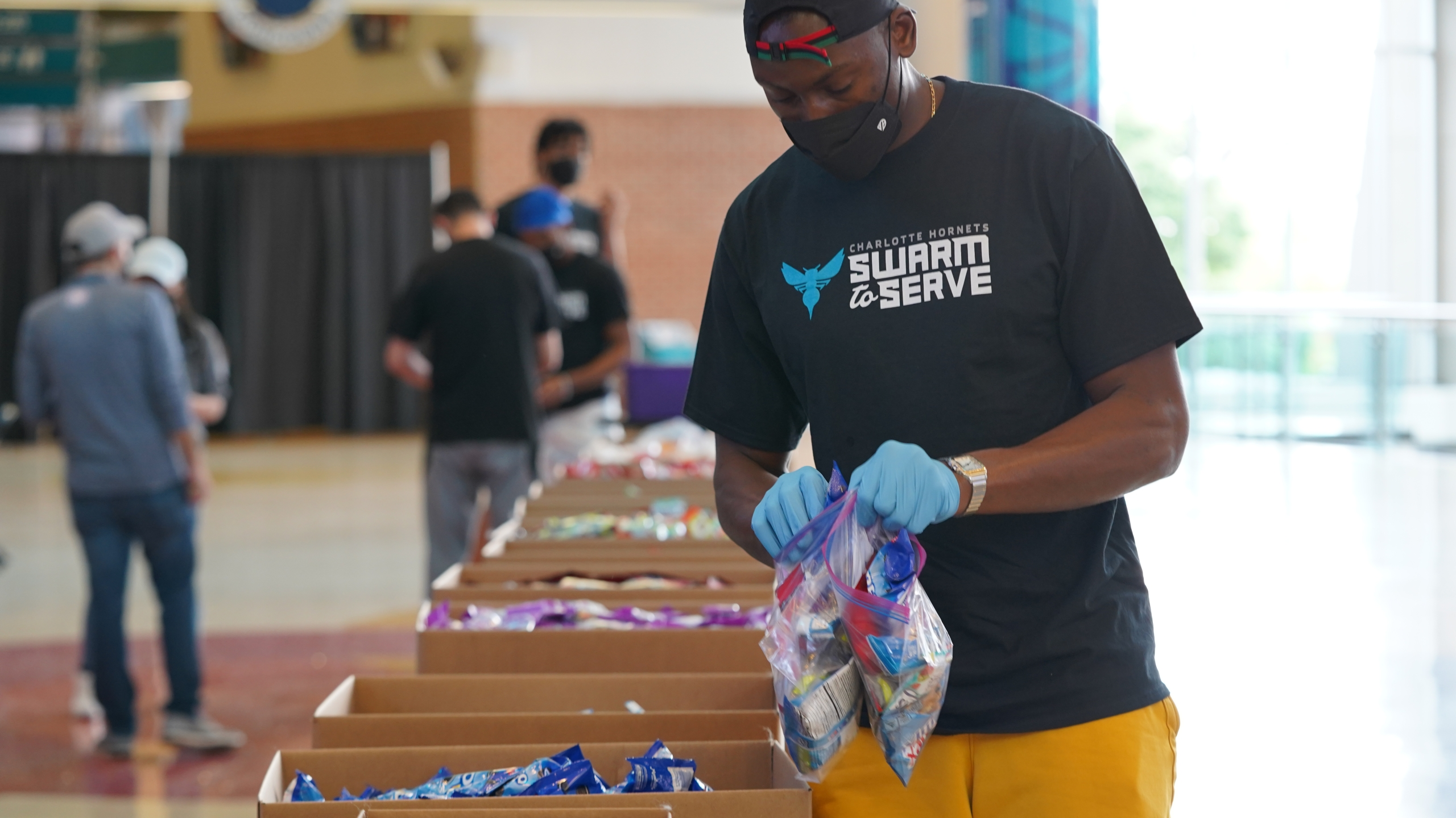CHARLOTTE HORNETS AND BANK OF AMERICA PROVIDE 3,000 CARE KITS FOR U.S. TROOPS IN SEVENTH ANNUAL MILITARY CARE EVENT