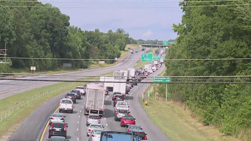 Crash shuts down I-40 west near Greensboro