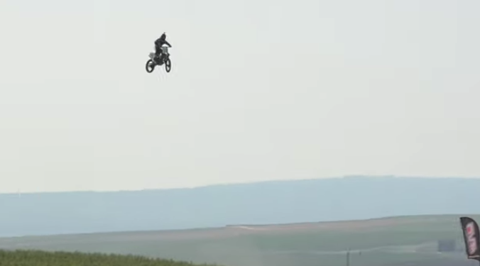 Daredevil Alex Harvill dies while attempting world-record motorcycle jump