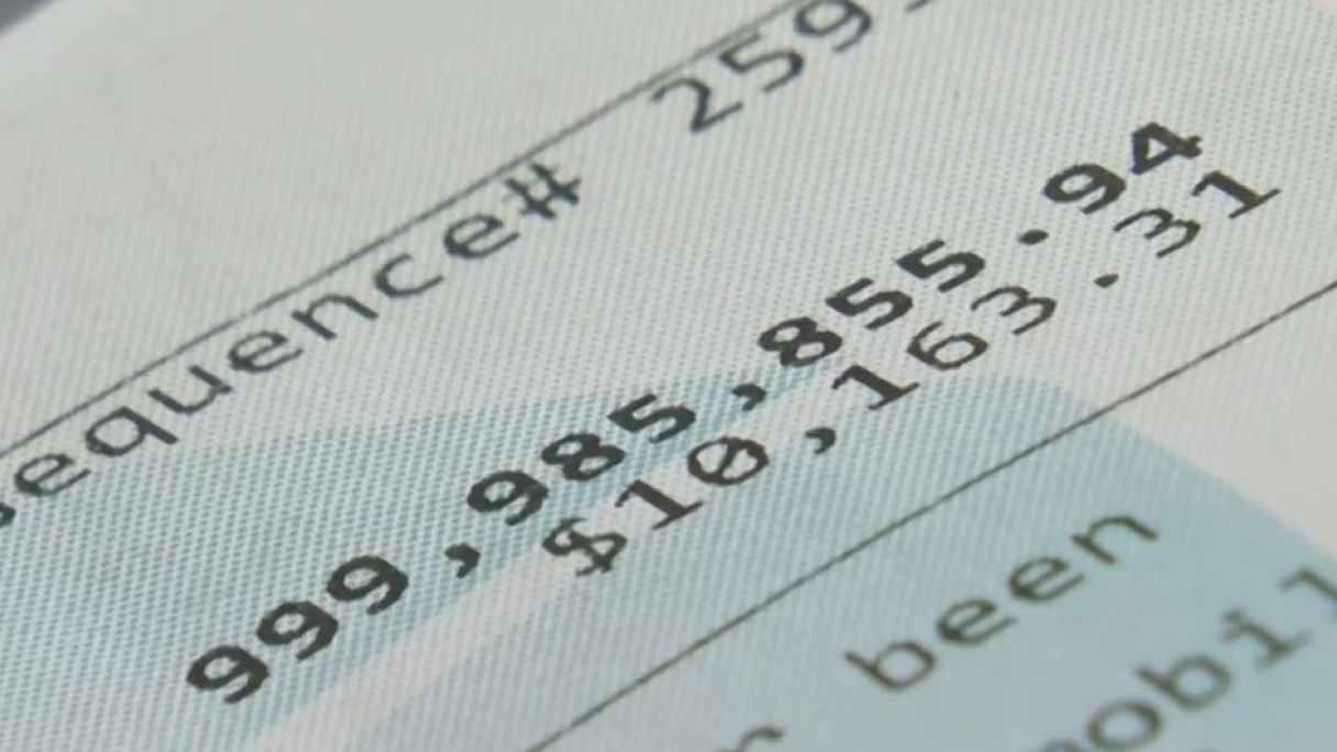 Florida woman discovers nearly $1 billion in her bank account