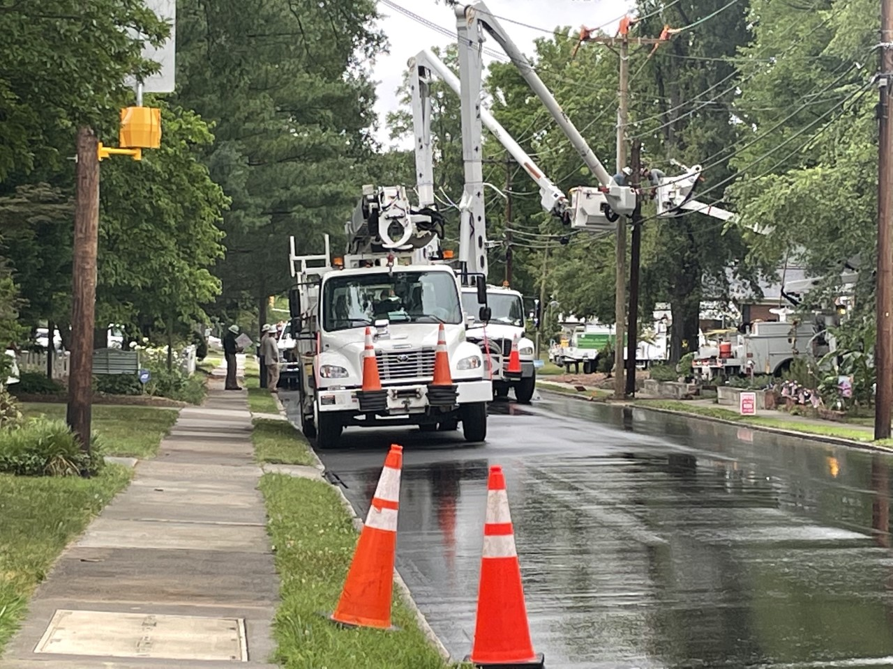 Crash in Greensboro closes South Elam Avenue between Sylvan Road, Berkley Place