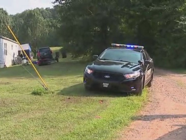 Person taken to hospital after shooting in Davidson County; 1 suspect in custody, search underway for at least 2 others