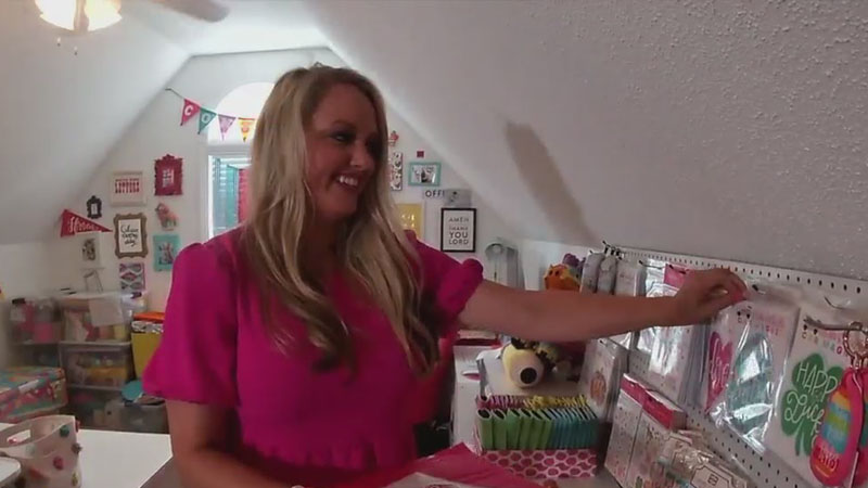 Small Business Spotlight: Guilford County woman uses handwriting to spread happiness