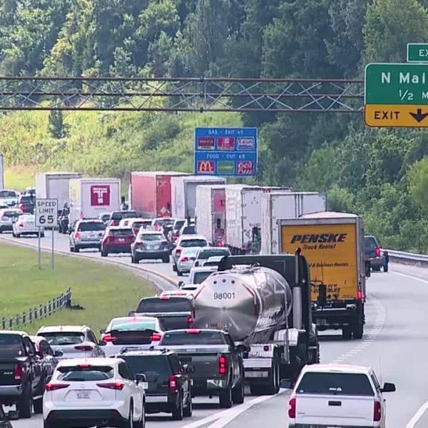 Man dies in crash on I-74 in High Point