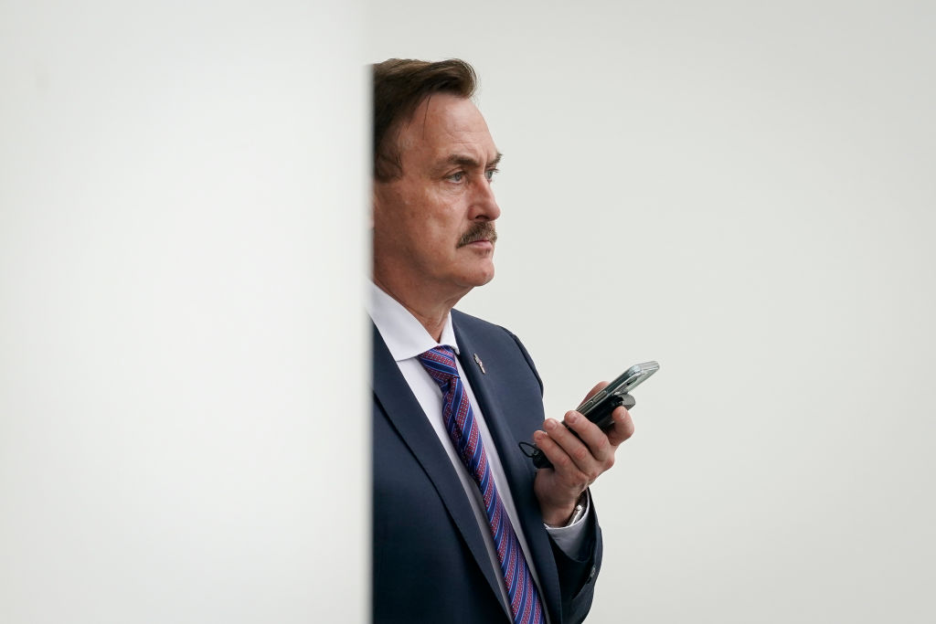 WASHINGTON, DC - JANUARY 15: MyPillow CEO Mike Lindell waits outside the West Wing of the White House before entering on January 15, 2021 in Washington, DC. (Photo by Drew Angerer/Getty Images)