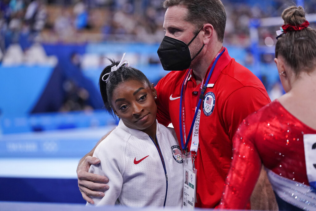 Mental health expert weighs in on Simone Biles' withdrawal from some Olympic events