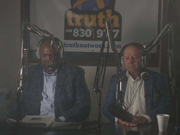 2 men from very different backgrounds dive into tough racial issues on radio show 'The Common Ground'