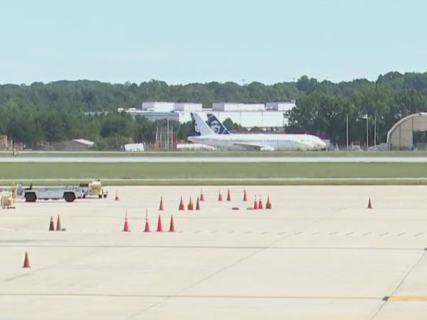 Run on the Runway benefits Second Harvest Food Bank